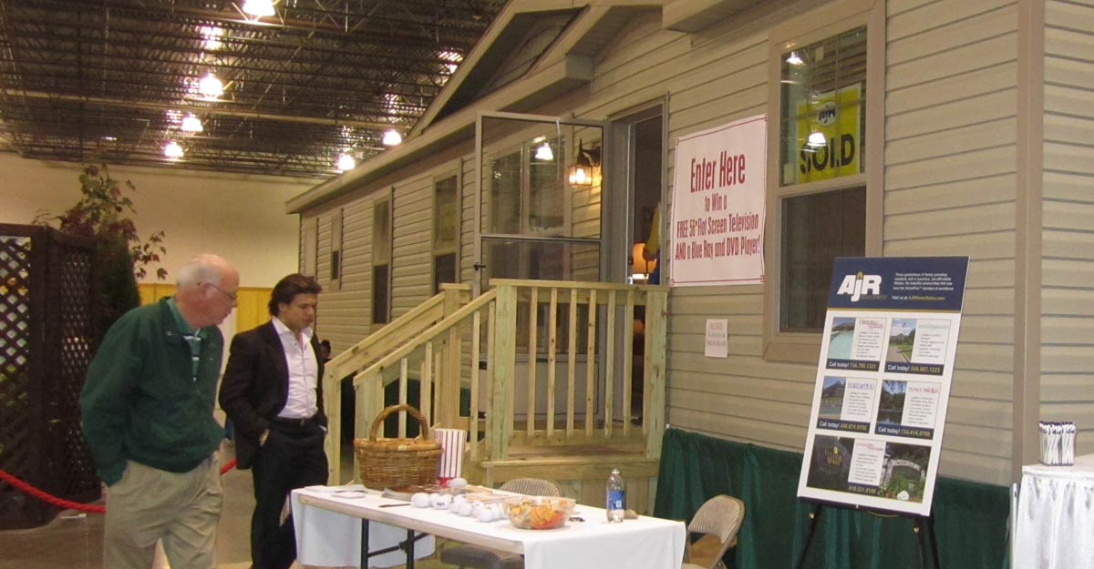 Full Size Manufactured Home Models From Leading Manufacturers Available To  Tour.